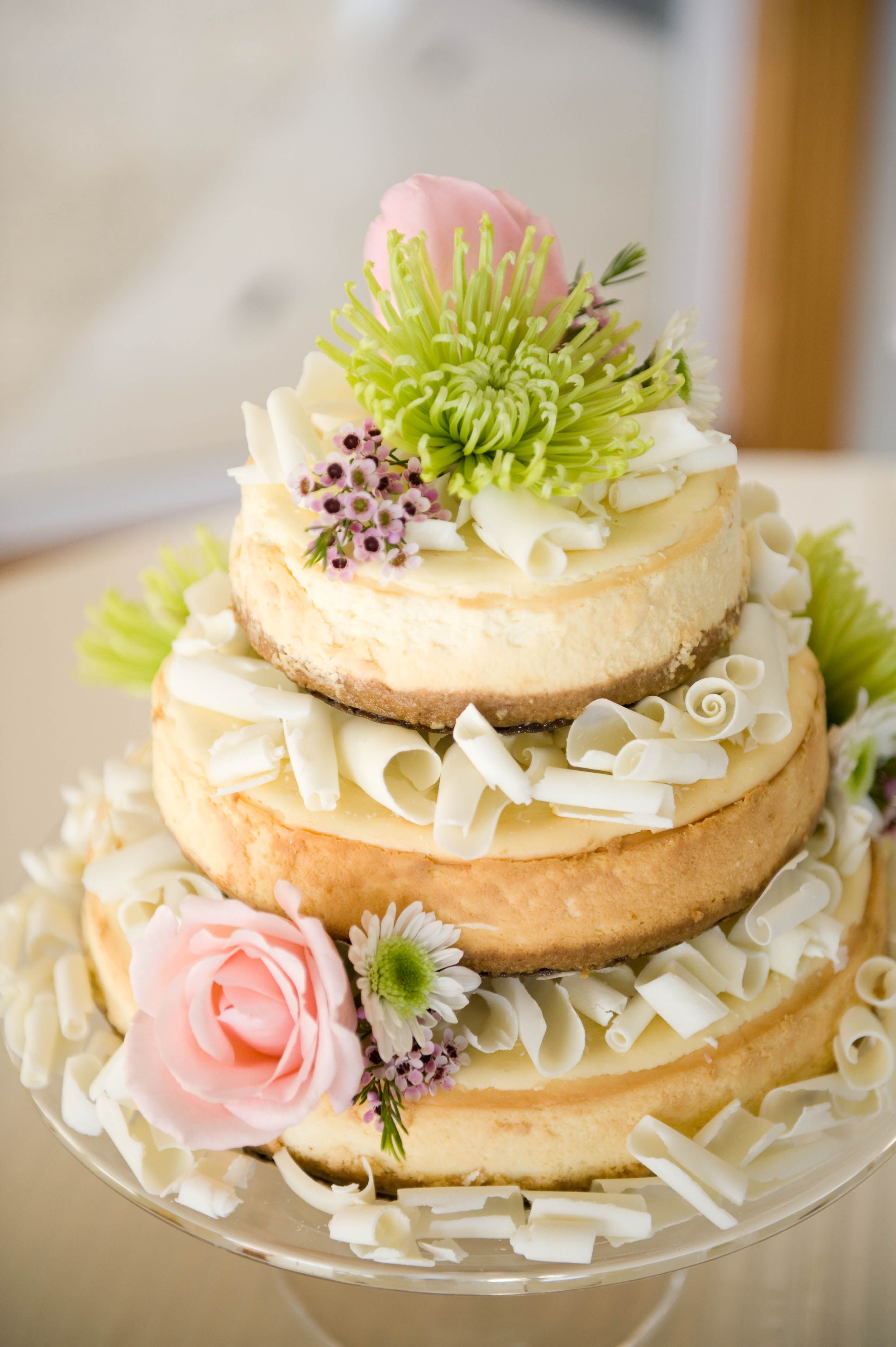A wedding cake! Cheese cake with white chocolate swirls. Beautiful ...