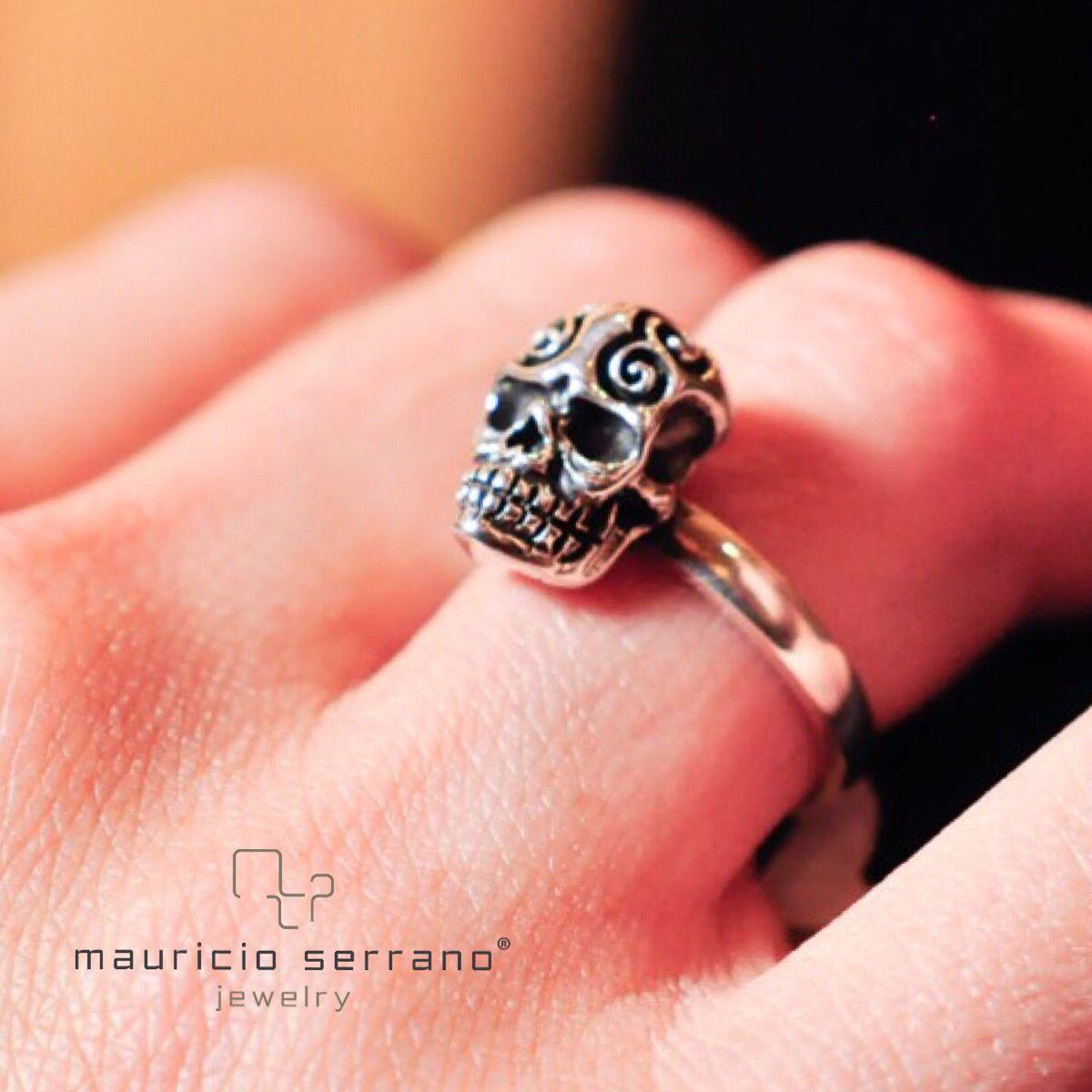 Día de muertos!! #UnaVerdaderaJoya  #DayOfTheDead #ATrueJewel #mauricioserrano #mexico #2015 #handcraft #Jewelry #Joyeria #Plata #Arte #Fashion