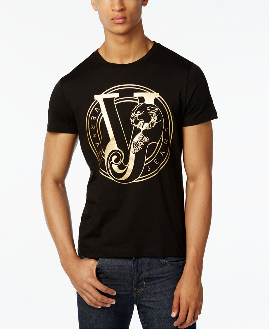 b0e03b3c27d Make a bold statement when you rock this Versace Jeans T-shirt ...