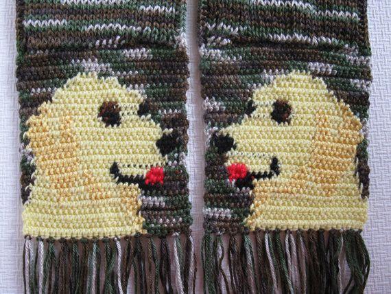 Golden Retriever Scarf. Camouflage knit scarf with por hooknsaw