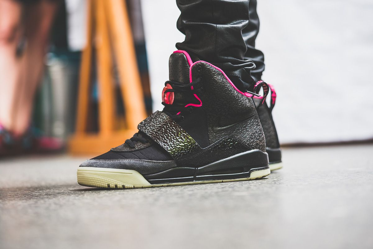7d5ceb2d1c5a1 Nike Air Yeezy  Blink  Air Yeezy 1
