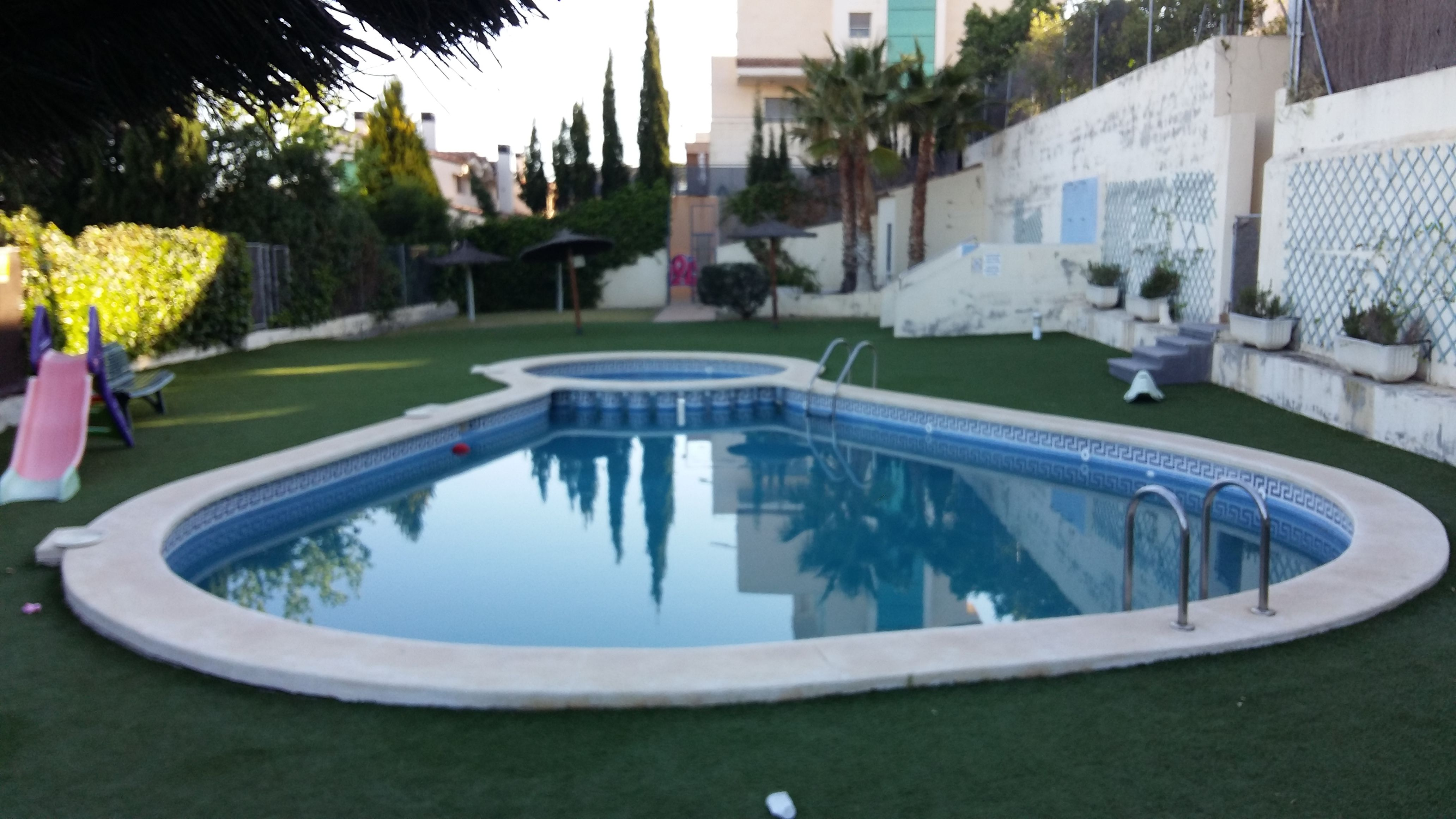 piscina en forma de gota con parte para niños | piscinas | Pinterest ...