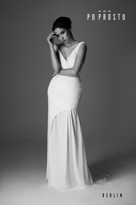 b706a654da Berlin Wedding Dress. Suknia ślubna Berlin. Simple wedding dress. Po Prostu suknie  ślubne