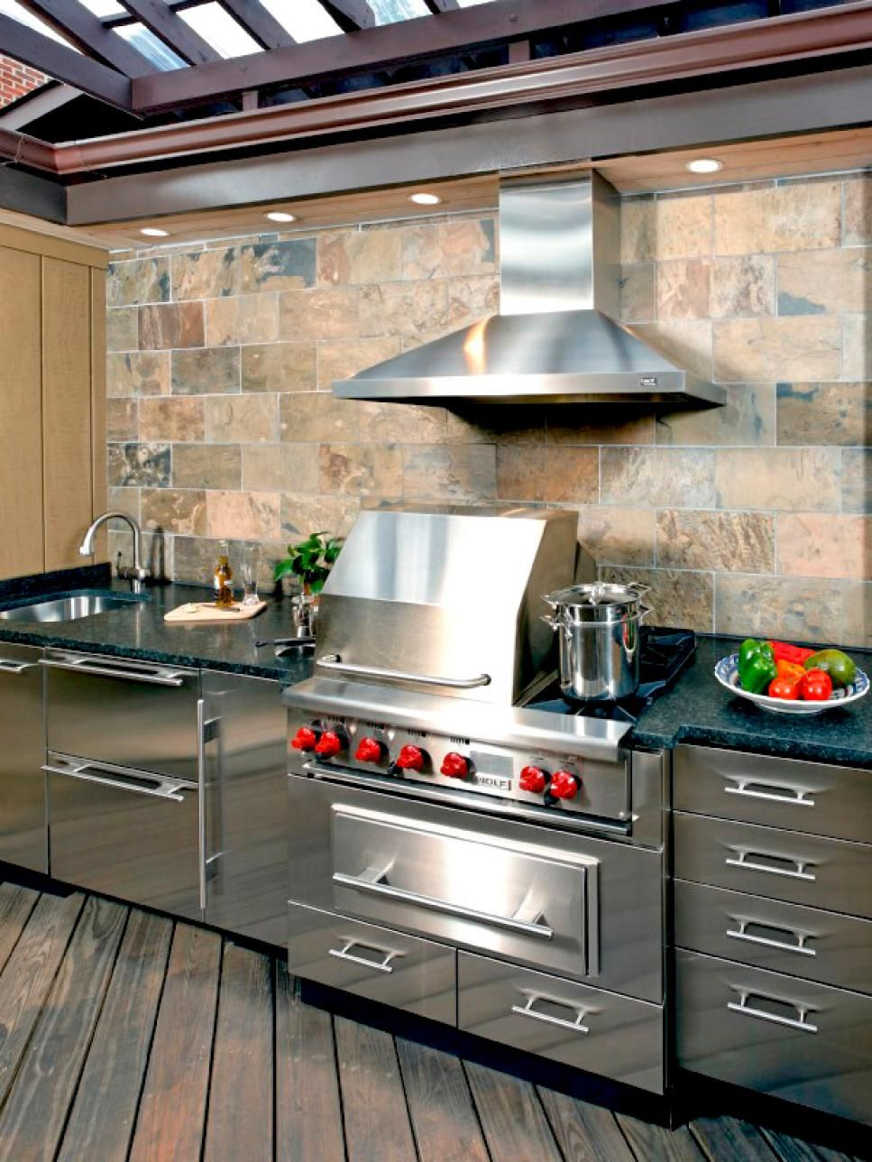 10 outdoor kitchens that sizzle | outdoor kitchens | pinterest