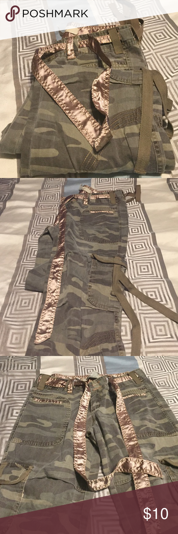 Women camouflage pants! Only wore a handful of times.. Women camouflage pants Wet Seal Jeans Straight Leg