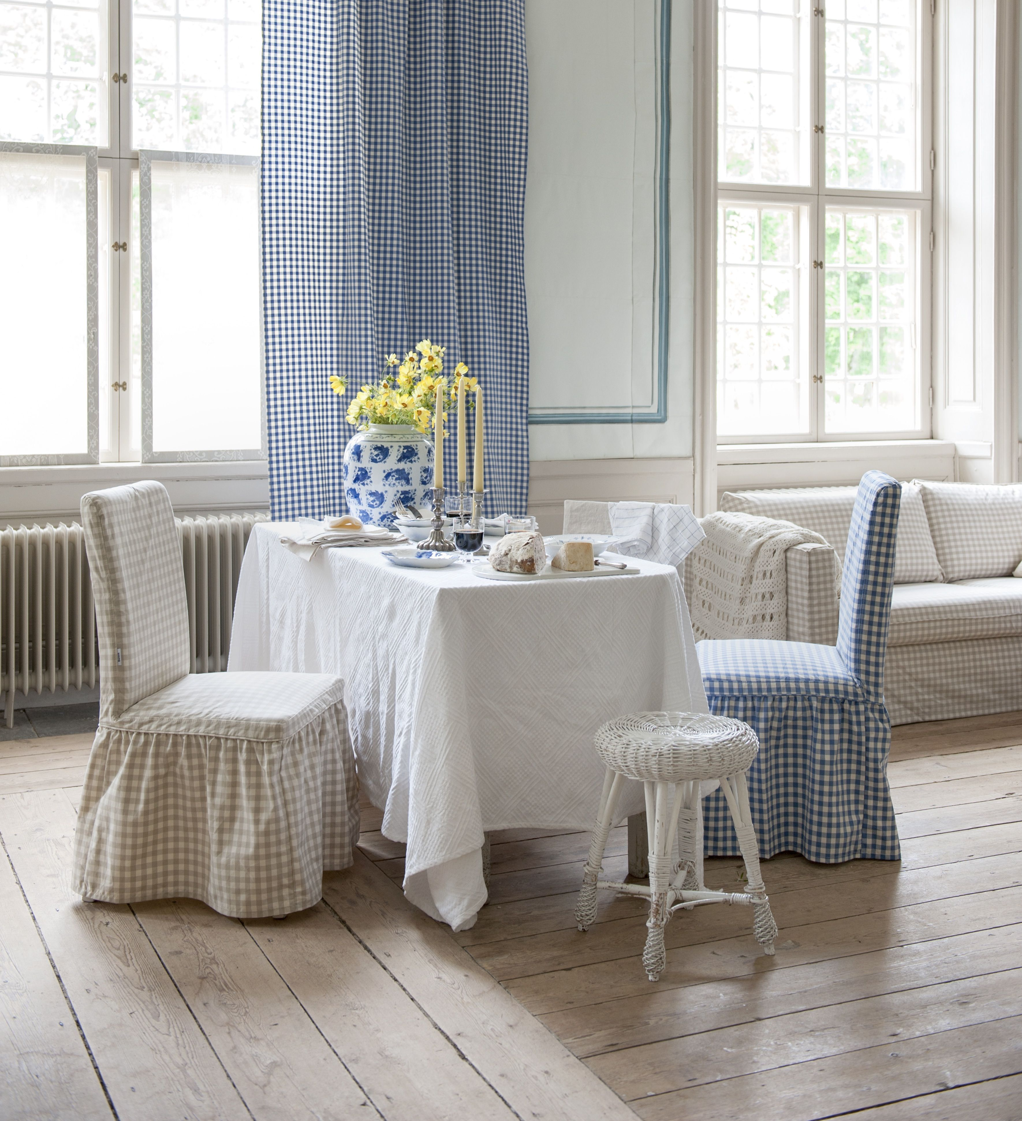 Henriksdal Chair cover long with frills Loose Fit Country