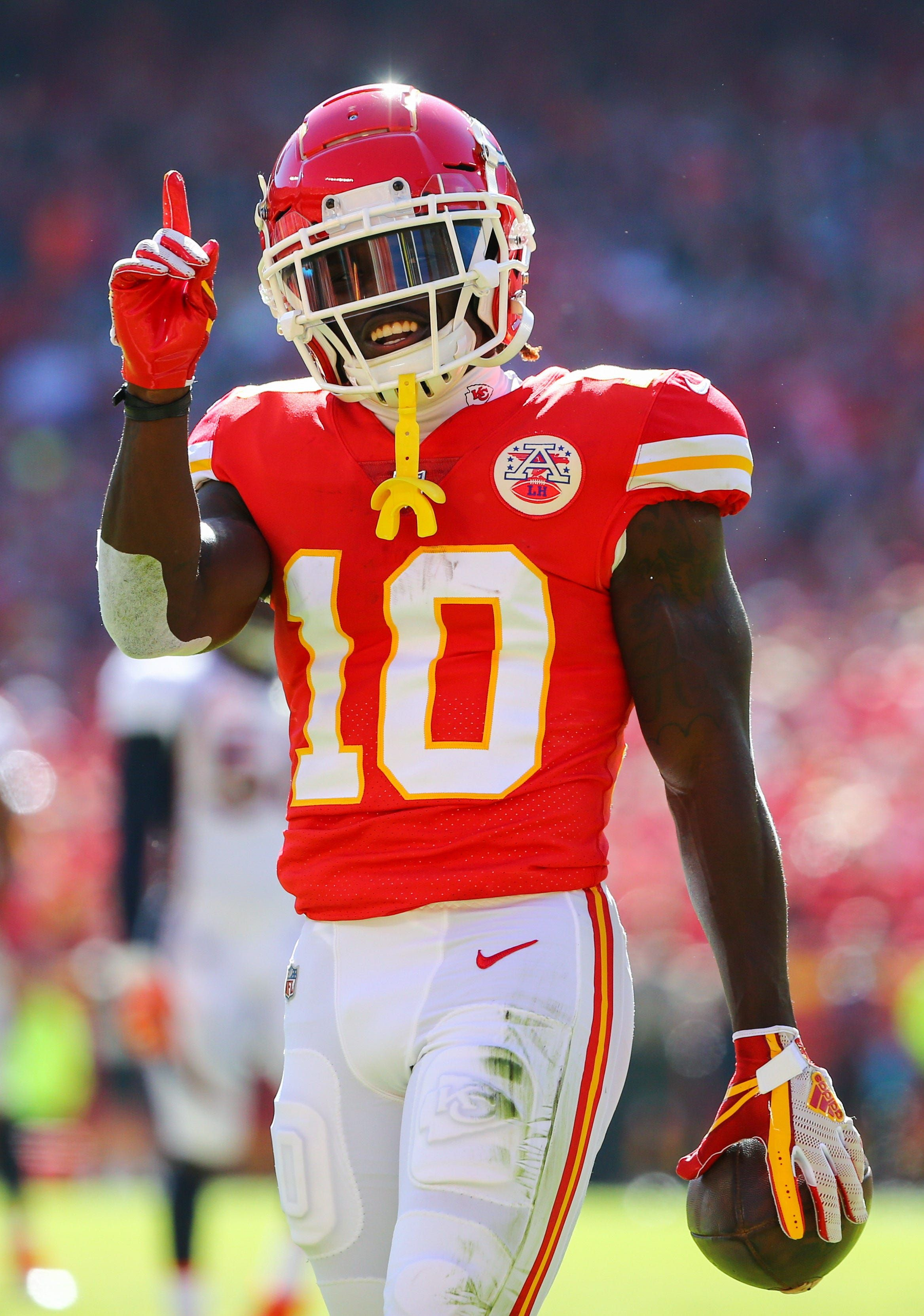 Nfl S Game Of The Year Breaking Down Chiefs Vs Rams On Monday Nfl Football Players Kc Chiefs Football Nfl