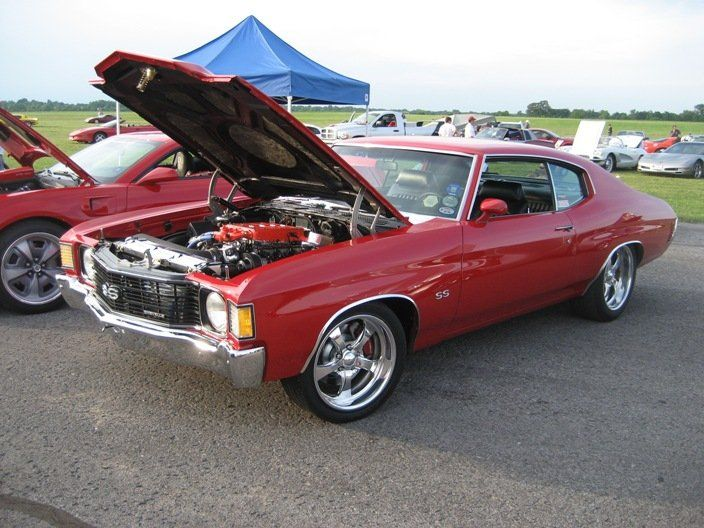 72 chevelle 7.4L supercharged ls motor MTI racing. red billet wheels