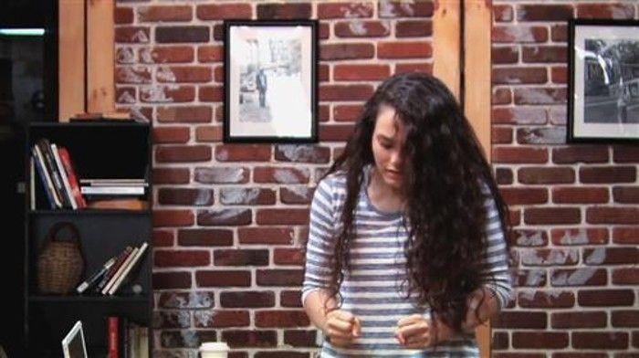 Telekinese-Streich: Mädchen schockt Cafe-Besucher - Gruselvideo bei HOTELIER TV: http://www.hoteliertv.net/gastronomie/