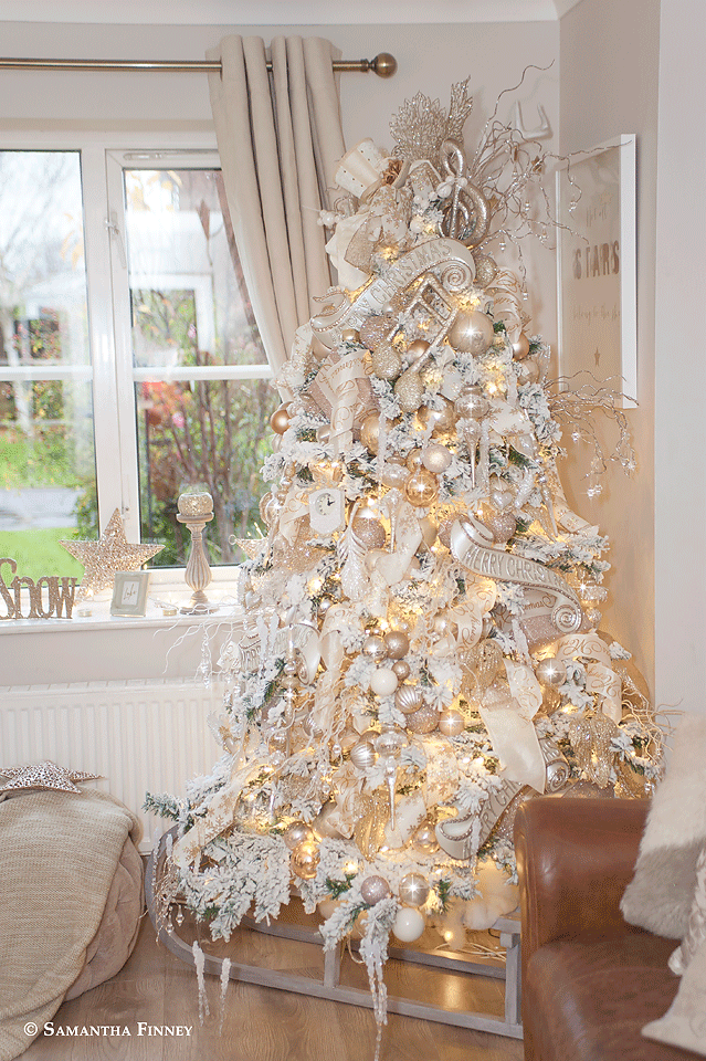Champagne And Silver Christmas Tree Elegant Christmas Trees White Christmas Trees Christmas Tree Themes