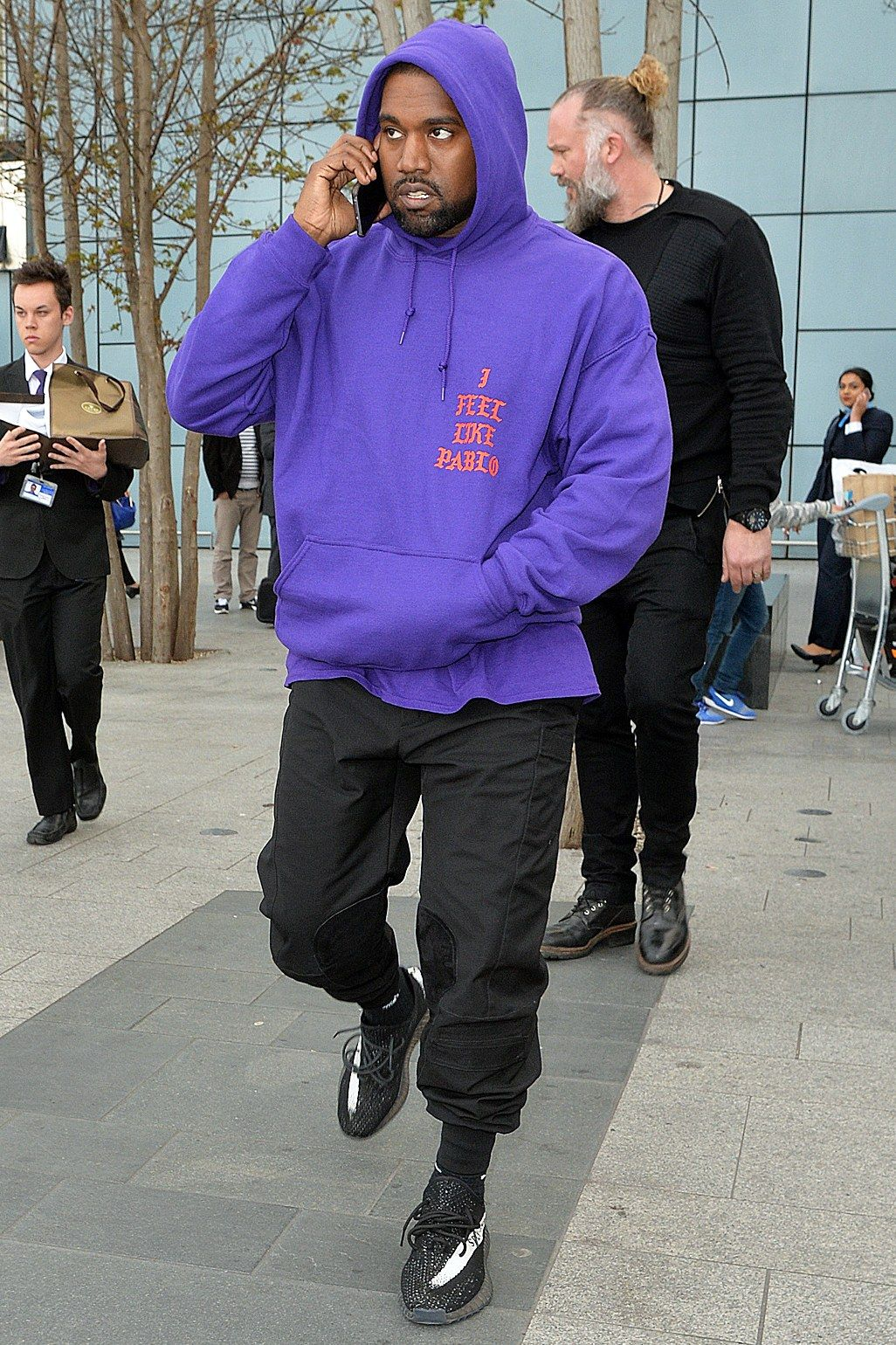 ce805db296701 At Heathrow International Airport in London. The Kanye West Look Book  Photos
