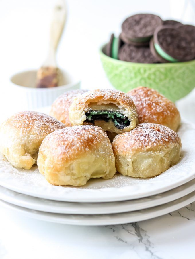 """Air Fryer Oreos recipe that will give you the same result as the deep-fried Oreos you would purchase at the fair, but with a less """"involved"""" method, fat, and calories.   Fried Oreos Recipe Air Fryer 