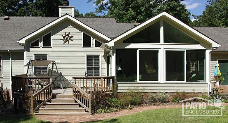 Get inspired with this white Four Season aluminum sunroom
