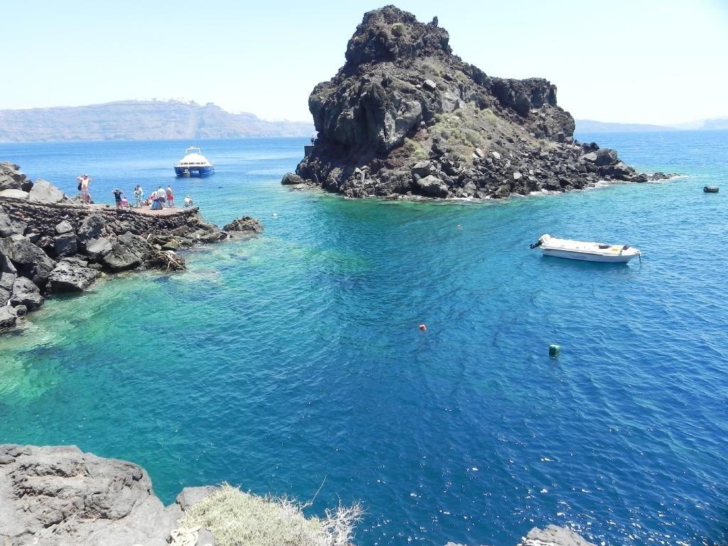 Amoudi Villas Cliff Jumping Review Of Amoudi Bay Oia Greece Tripadvisor