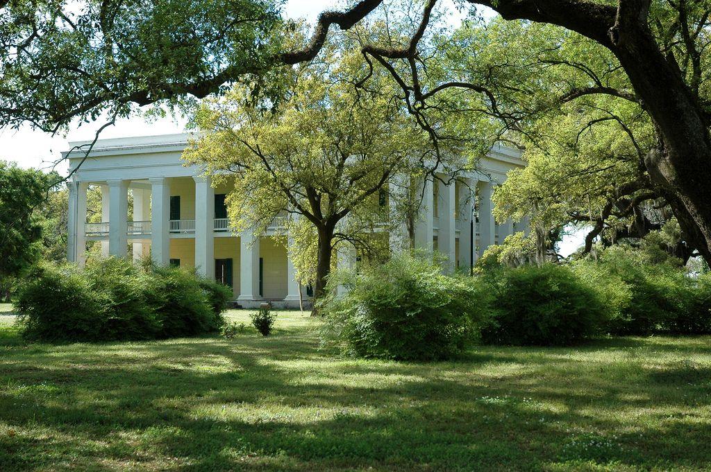 Ashland belle helene plantation darrow louisiana for Southern plantation house