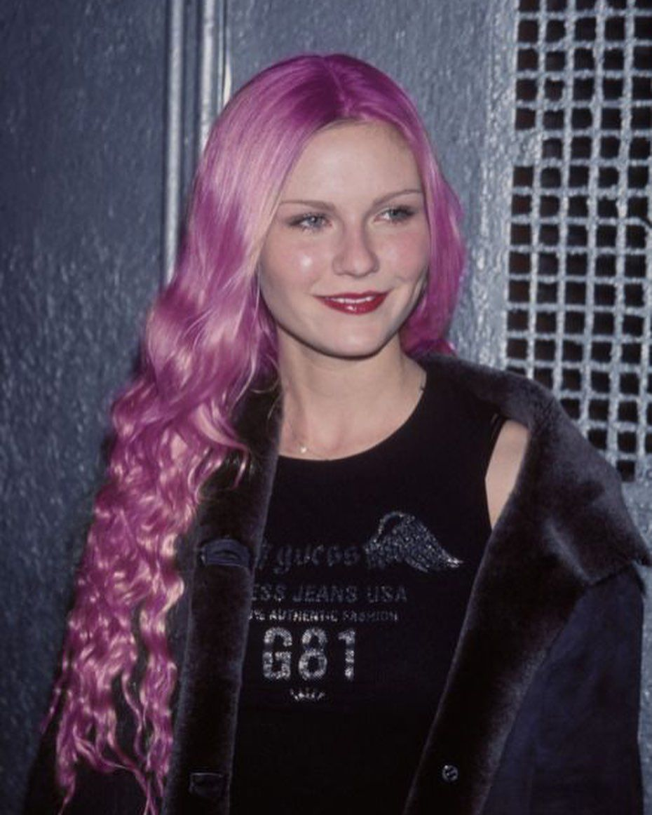 The Lazy Romance On Instagram Celebrity With Pink Hair In 2020 Kirsten Dunst Young Pink Hair Kirsten Dunst