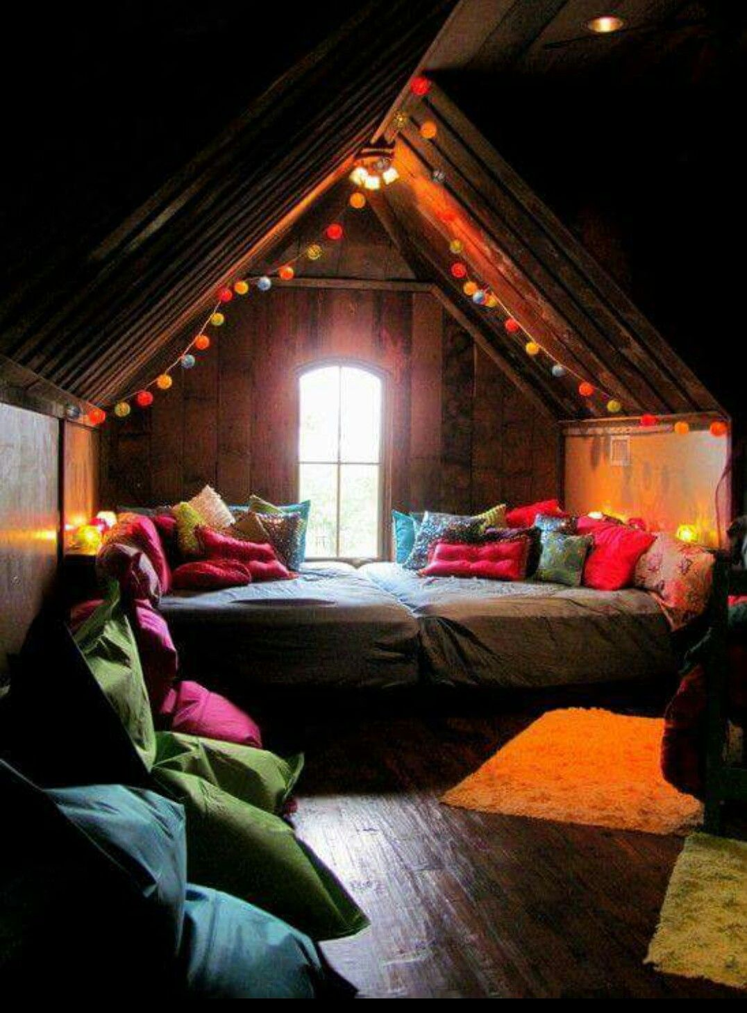 Cute Reading Nook    Boho/Bohemian/Colour/Comfort   A dreamy ...