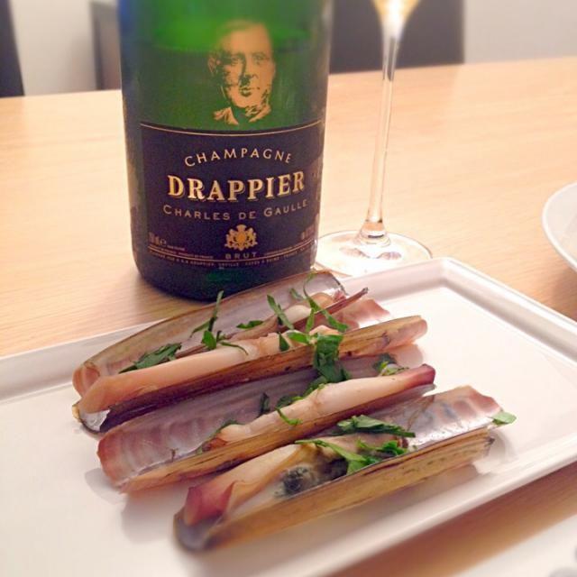 これをおつまみにシャンパーニュを開けてシアワセな週末のはじまり〜 - 40件のもぐもぐ - マテ貝の酒蒸し by TToshipie