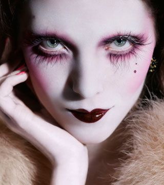 Illamasqua make up - I love it. I love how it's art, rather than just normal make up. One day I will do one of their courses! #illamasqua