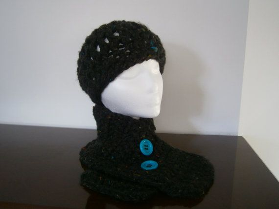 Handmade Chunky Crochet Hat and Neckwarmer Set