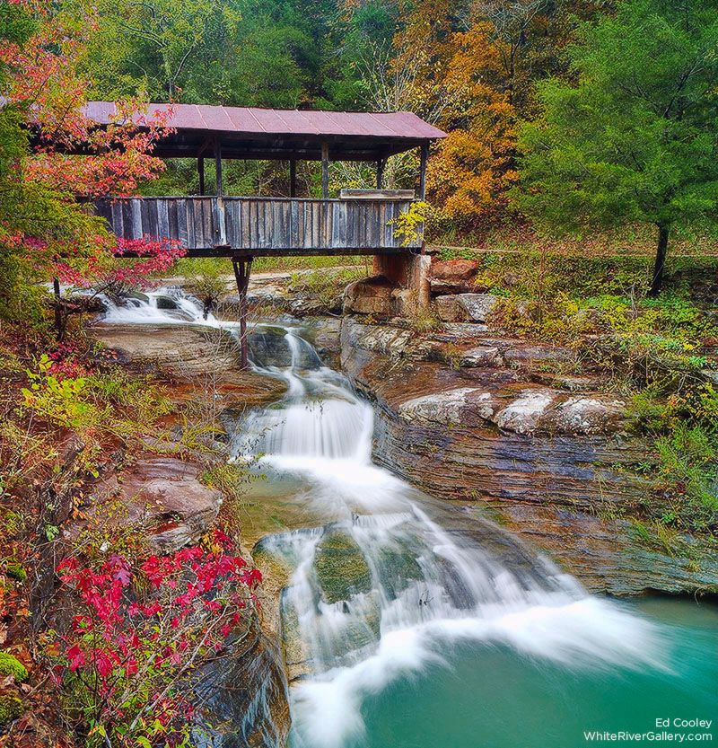 Places To Visit In The Fall In Usa: Historic Covered Bridge In The Ozark Mountain Community Of