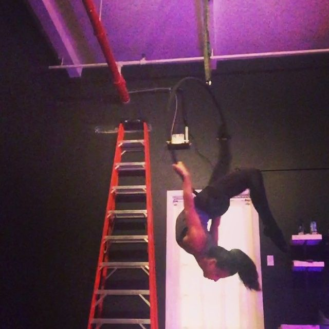 Working with this little Terry Beeman inspired sequence in all my hoop classes this week!  You can still catch me at Om Factory at 3:30 tomorrow and Body and Pole at 4 and 5:30 on Sunday! Thanks @mentalheadcircus ! @bodyandpole #bodyandpole #lyra #lira #spinning #aerial #aerialist #aereo #aerialhoop #aeriallyra #circus #cirque #aerialistsofig