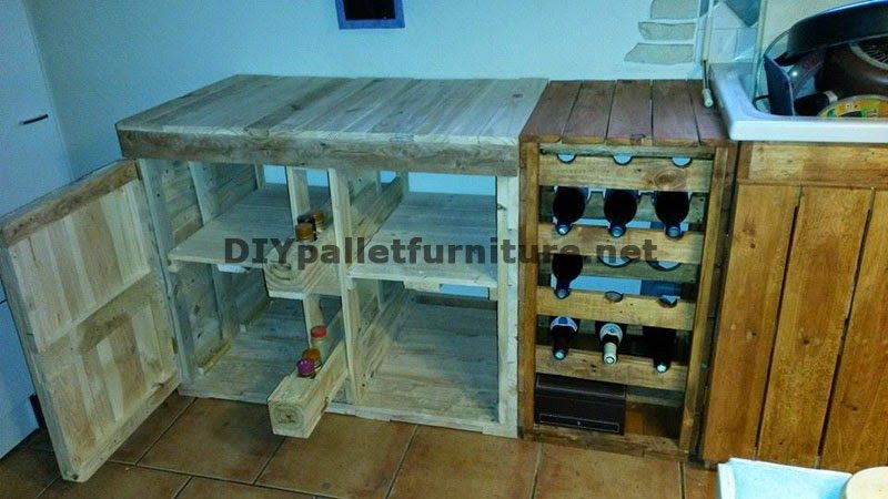 Muebles de palets cocina completamente amueblada con - Cocinas con tarimas ...
