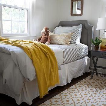 yellow and gray boys bedroom with ikea alvine ruta rug - Schlafzimmerideen Des Mannes Ikea