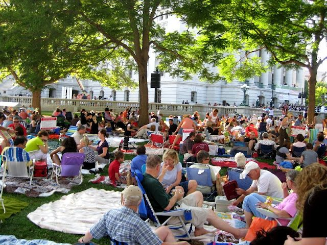 Madison Wi Exactly How Many Square >> Concerts On The Square Madison Wi What To Expect When