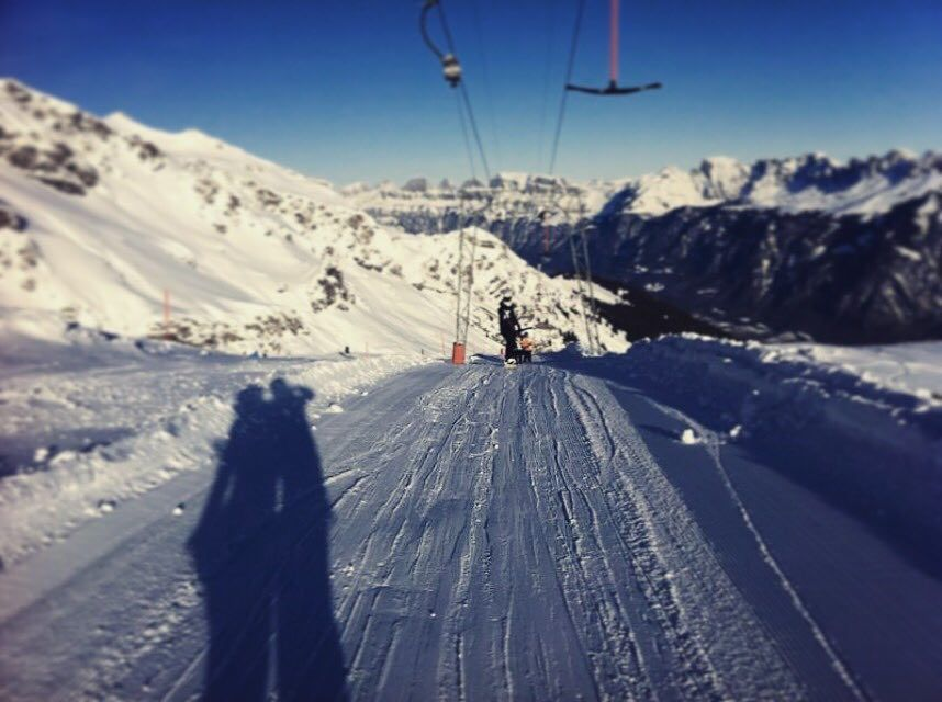 Die #Skisaison kann beginnen!  Wo gehst du auf die Piste? #Schweiz  oder #österreich  ? @myswitzerland @visitaustria