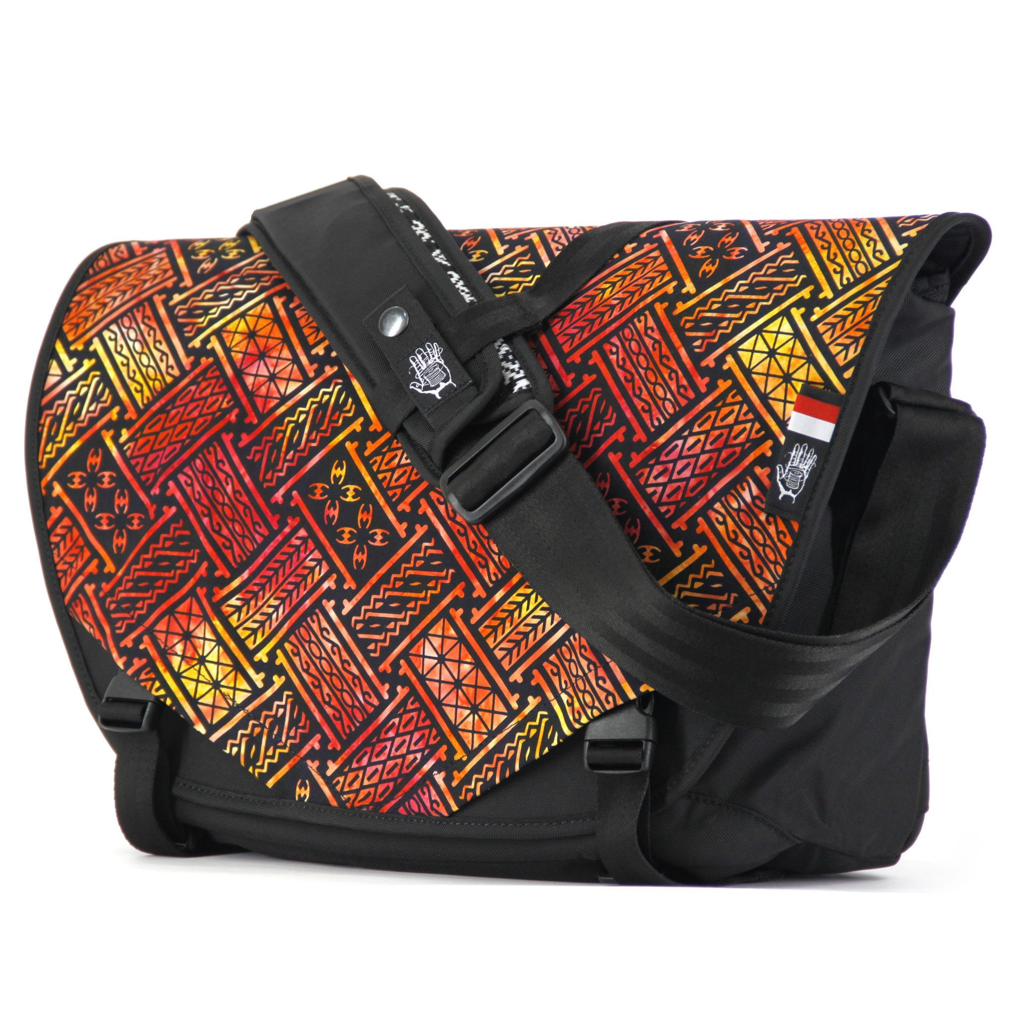 Indonesia 7 Acaat Messenger Bag Laptop compartment is