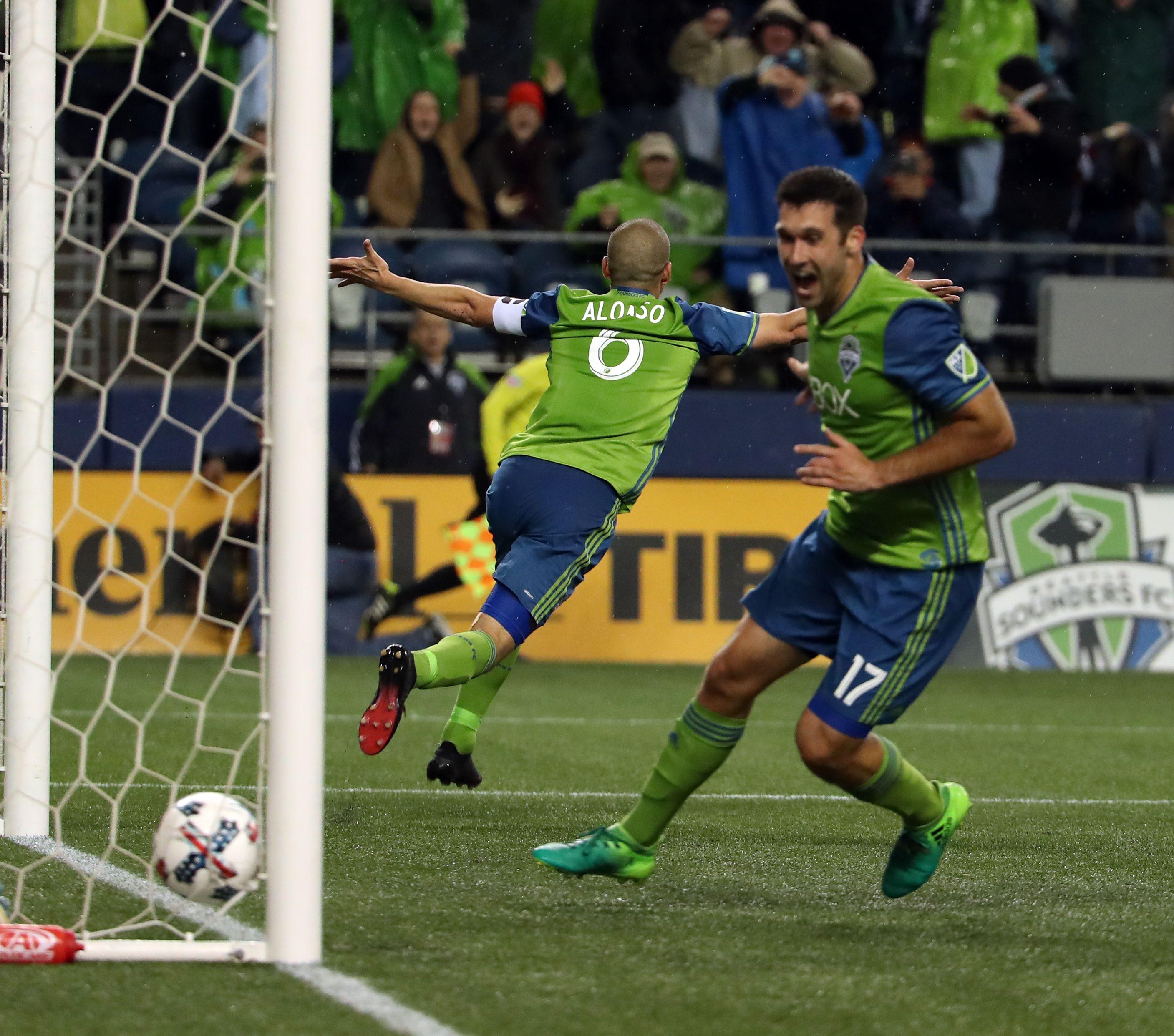 Seattle Sounders score three late goals earn draw versus