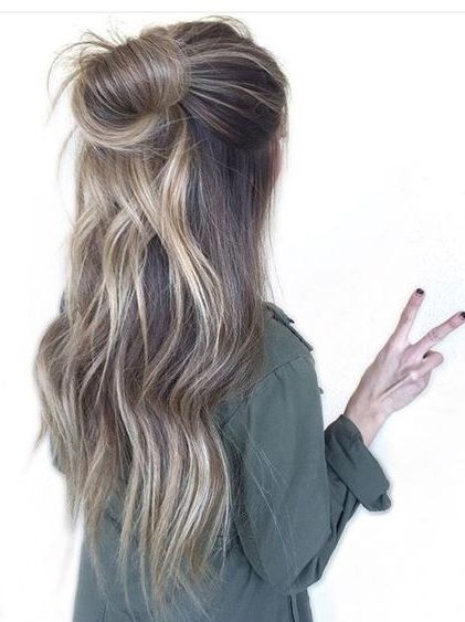 Easy Half Up Half Down Bun Hairstyles 2018 Cleverstyling Hair Styles Hair Color Balayage Balayage Hair