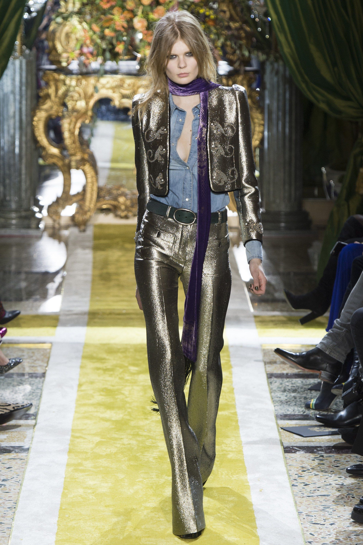 62e6b9e3745 #RobertoCavalli #fashion #Koshchenets Roberto Cavalli Fall 2016  Ready-to-Wear Collection Photos - Vogue