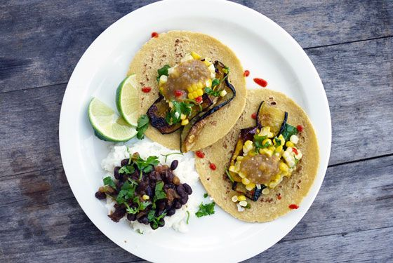 Super easy weeknight meal from @OneHungryMama: Corn-and-zuchinni-tacos