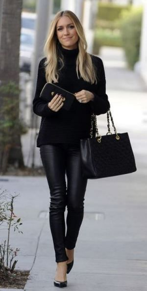 aa52e7a383f6 This leather leggings outfit is so cute for the fall or winter!