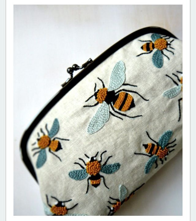 BEES embellished purse | DIY projects to try | Pinterest | Abeja