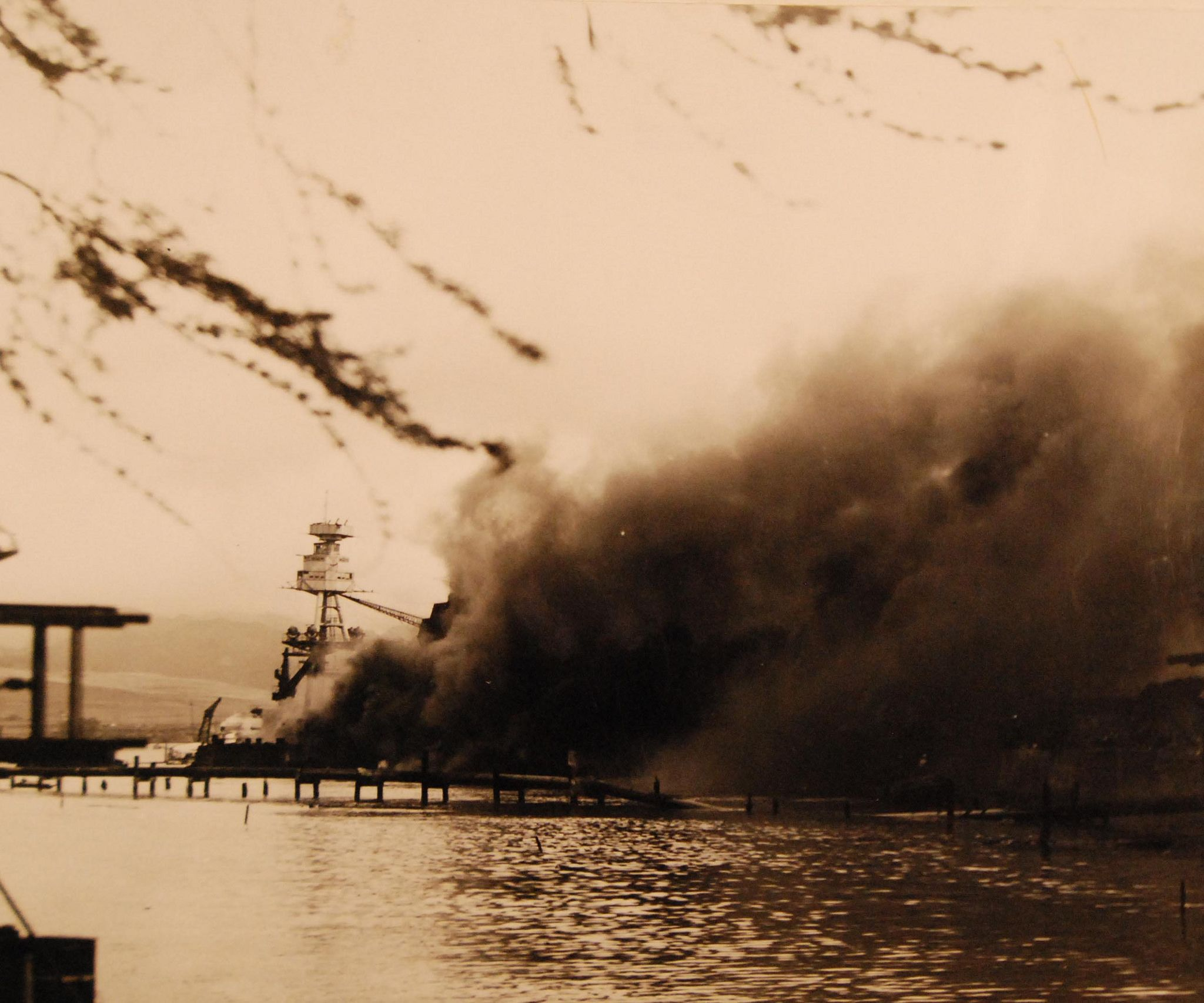 g uss arizona bb burning after the ese attack uss arizona bb burning after the ese attack on pearl harbor 7 same as nh