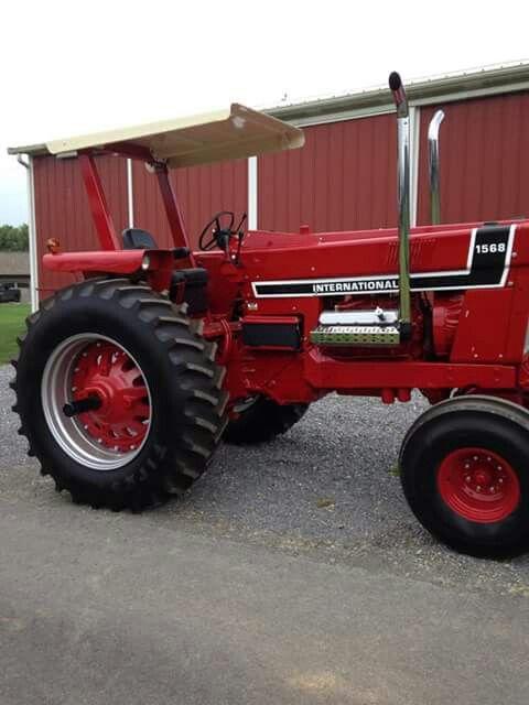 Antique International 1568 : Ih v black stripe tractors pinterest