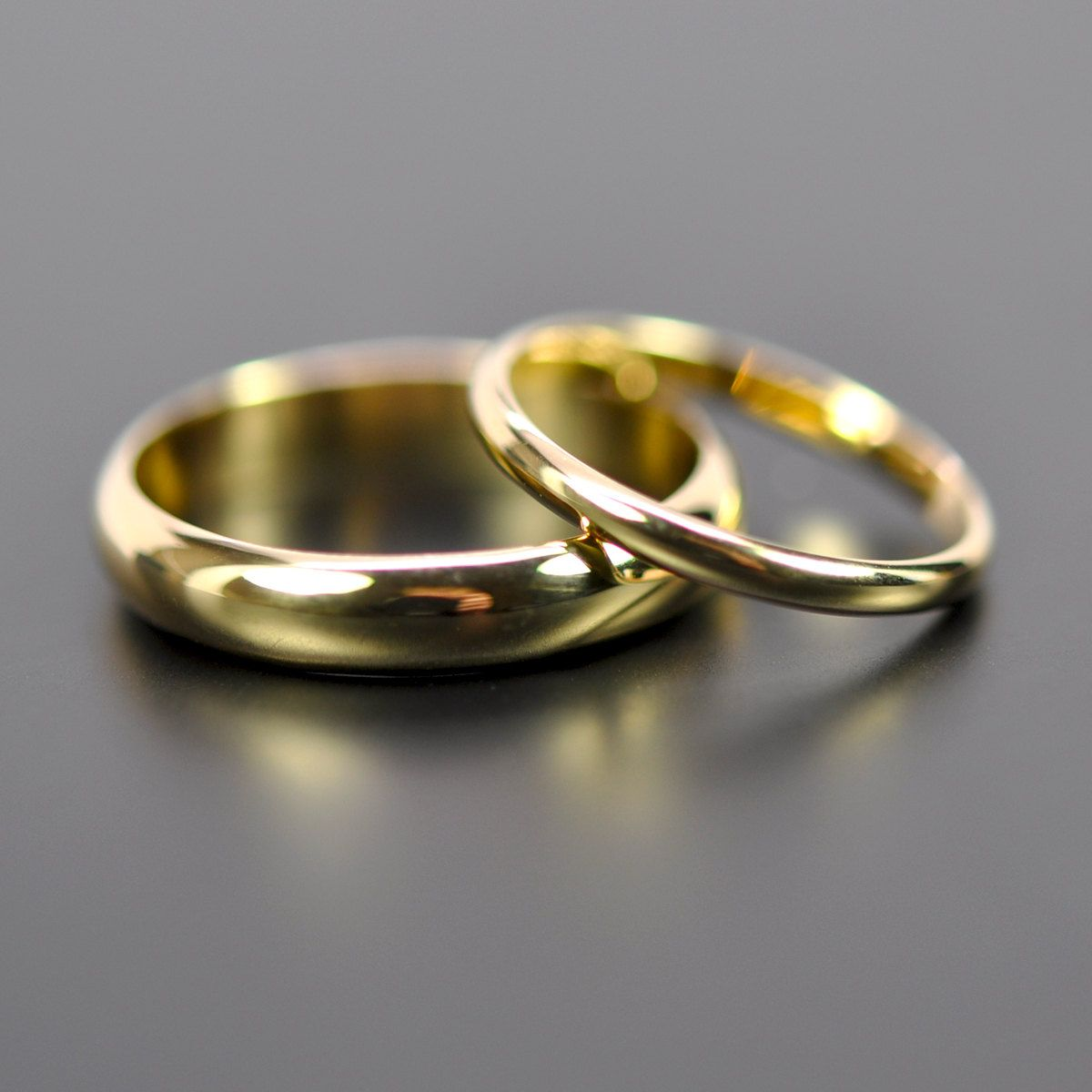 18k Yellow Gold Classic Wedding Band Set His And Hers Rings 2mm