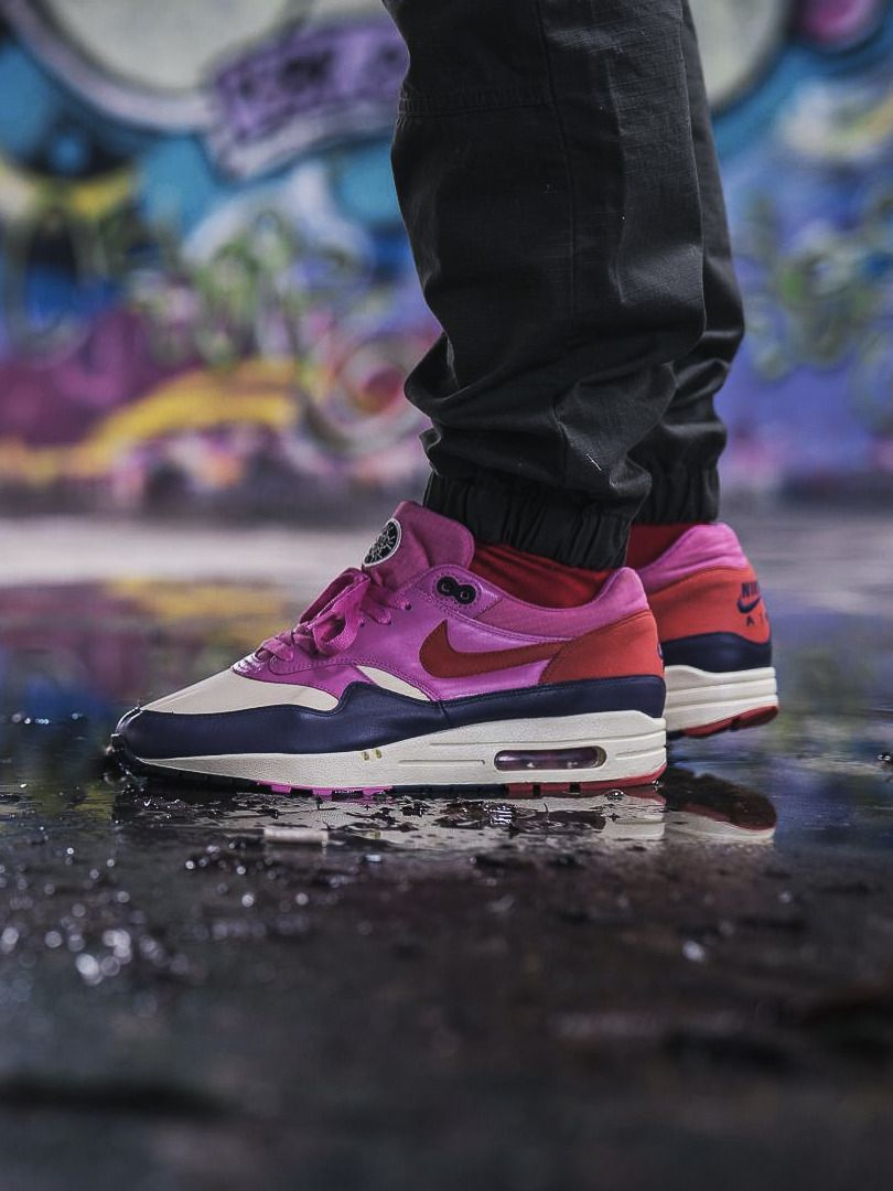 new product 8c664 59cca Nike wmns Air Max 1 - Alabaster Dragon Red - 2008 (by vieilleecole)