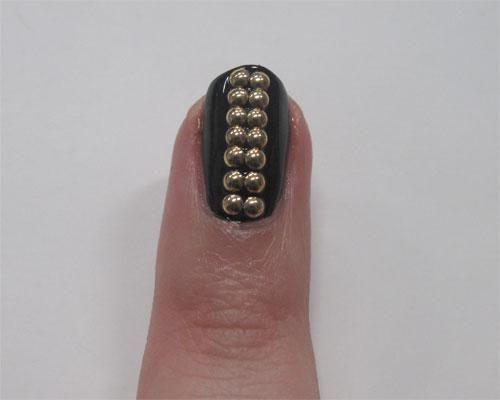 DIY Glitter Nails Art : DIY Nail Art Guide: Studded Nails!