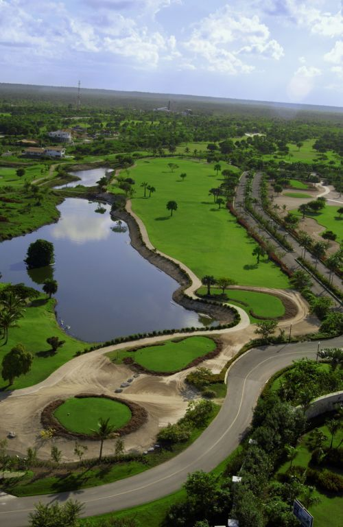 Hole 18 at Cocotal Golf   Country Club in Punta Cana  27 hole golf     Hole 18 at Cocotal Golf   Country Club in Punta Cana  27 hole golf course  that belongs to the Melia   Paradisus Resorts