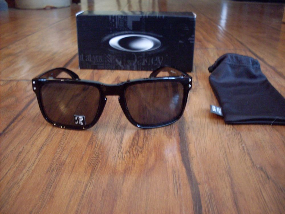 b5d66760c6 NEW Oakley Holbrook Polarized Sunglasses