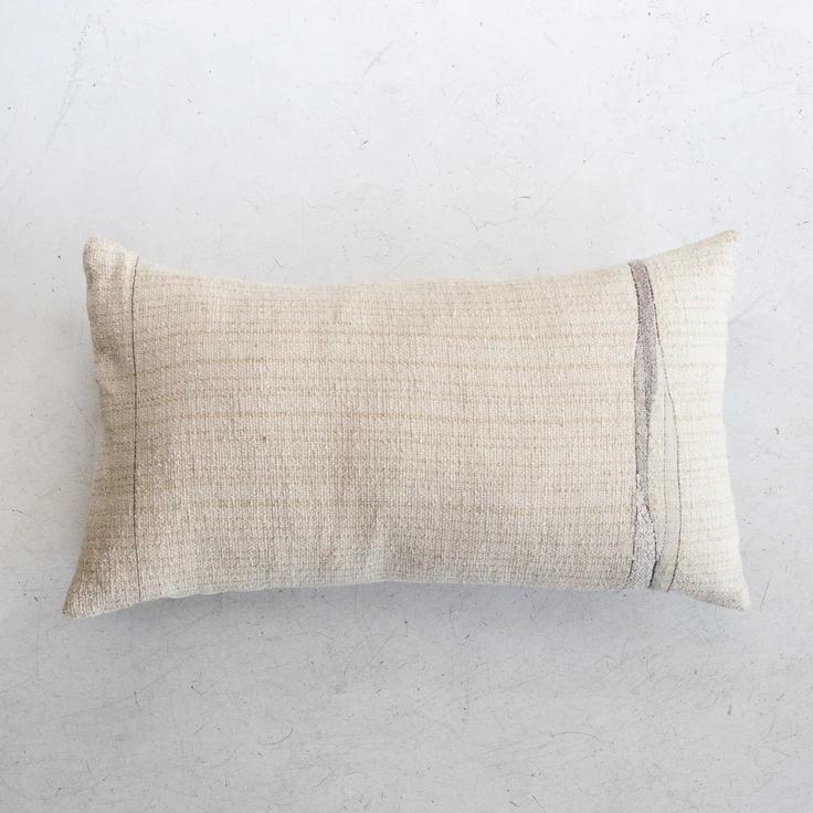 Rock Slab Pillow – ESQUELETO