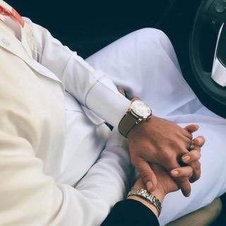يقول مانيب أحبش لجل تملين فراغي فرغت لش قلب ي علشان تملينه Cute Muslim Couples Muslim Couples Barn Wedding Photos