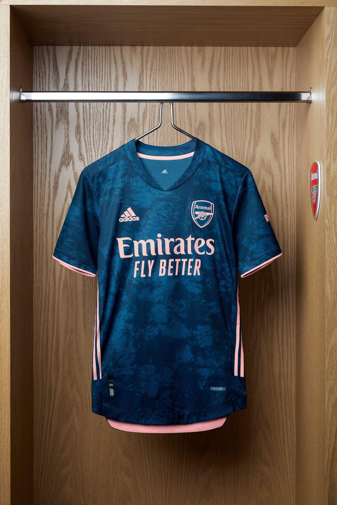 Dom objesiti Ispljunuti  Arsenal on Twitter | Sport shirt design, Football kits, Sports jersey design