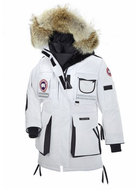 Canada Goose Snow Mantra Women s Parka - With a reputation as the warmest  coat in the world d8cc56add00e