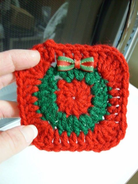 Free Christmas Coaster Crochet Pattern