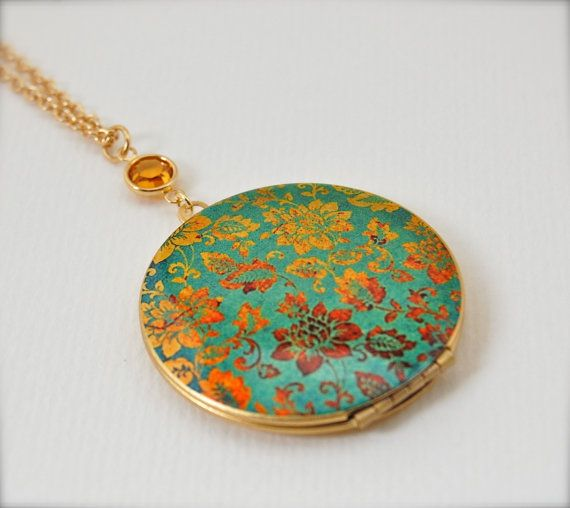 Vintage Locket Necklace With Turquoise And Gold Floral Wallpaper Print Locket Necklace Vintage Vintage Lockets Vintage Floral Wallpapers